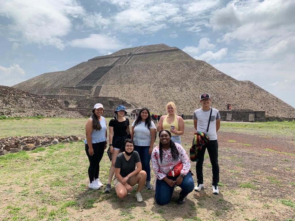 Project MALES students in Mexico City with pyramids
